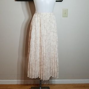 Maxi pleated skirt in Color Blush Size 10